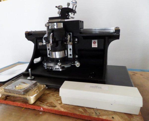 American Optical (AO) 860 Sliding Microtome