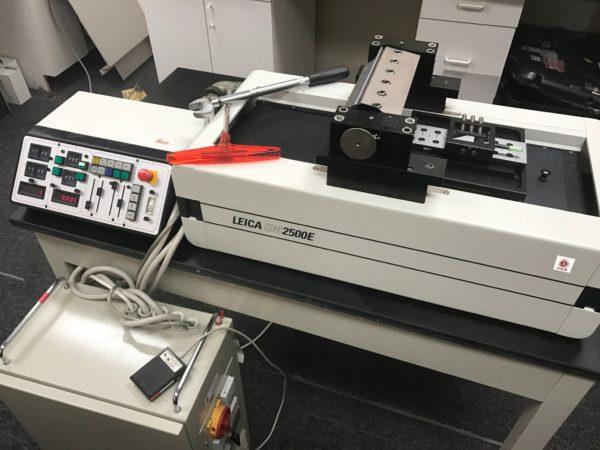Leica SM2500E Microtome